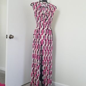 Sleeveless jumpsuit size small
